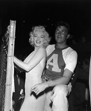 Marilyn Monroe and Dale Robertson UNSIGNED photo - C2042