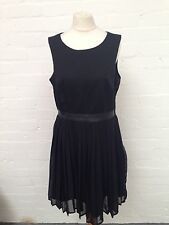 Stunning H&M Dress - Size Uk14 Eur 42 - Great Condition