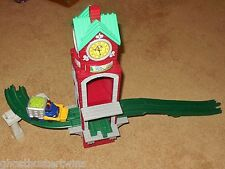 FISHER PRICE GEOTRAX HIGHVIEW CLOCK CHIME TOWER TRACK RAILROAD TRAIN SET LOT