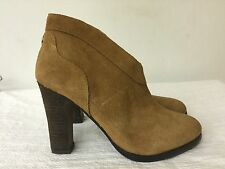 Crown Vintage women  Tan Brown Suede Leather Ankle Boot Heels size  7M