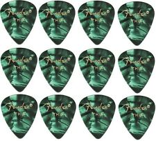 FENDER  Premium Celluloid Plectrums - Pack of 12 picks  - Green - Thin.