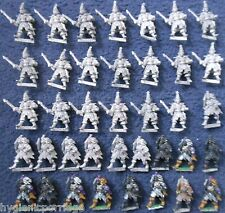 1985 RR4 Mengil Manhides Dark Elves Witch Elf Regiments of Renown Manflayers GW