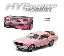 GREENLIGHT 1:18 1967 FORD MUSTANG COUPE WITH LUGGAGE DIE-CAST PINK 12966