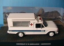 CHEVROLET C-10 AMBULANCE JAMES BOND 007 MOONRAKER UNIVERSAL HOBBIES 1/43 ATLAS