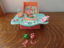 Littlest Pet Shop Teensies Playset Frog and Hermit Crab - Free Shipping
