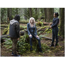 The Flash Carlos Valdes, Danielle Panabaker with Others 8 x 10 Inch Photo