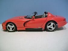 Nice 1:18 Scale Diamonds Red 1992 DODGE VIPER RT/10 Die-cast By Bburago