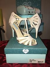 Blue by Betsey Johnson Tee ~Ivory Fab~ Evening Sandals Womens Shoes 10 M NEW NIB