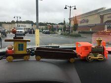 Vintage 1964 Fisher-Price CHUG CHUG TRAIN Wooden Little People Set