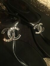 CHANEL BLACK LEATHER JEWEL CC LOGO FLAT THONG SANDALS SIZE 38.5
