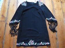 Entièrement neuf sans étiquette KATE MOSS robe noire, 8, broderie florale, franges manches TOPSHOP