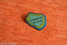 00352 PIN'S PINS ILE DE LA PASSION CLIPPERTON DX CLUB RADIO ISLAND