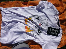 ST LENNY  WHITE DEVIL CAT TEE T-SHIRT SIZE  SMALL.NEW W TAGS