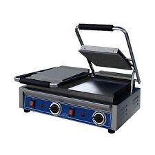 Globe GSGDUE10 Double Countertop Electric Bistro Panini Grill / SmoothPlates