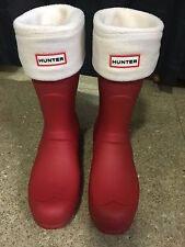 Women's Short Hunter Rain Boots Red Size 11 w/ Hunter Boot Socks! Worn Only Once