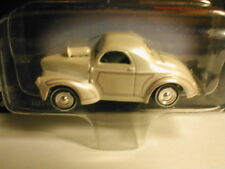 2001 Johnny Lightning AMERICAN GRAFFITI  1941 WILLYS pearl white