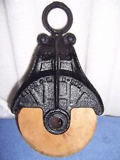 VINTAGE ANTIQUE SINGLE ROPE TACKLE BLOCK FARM USE PULLEY CAST IRON  METAL & WOOD