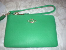 NWT Coach Embossed Textured Leather L Zip Wallet Wristlet 52392 Green