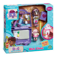 Doc McStuffins Mini Clinic Playset with Doc & Lambie Figures - 90119 - New