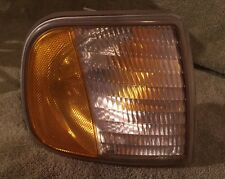 97 98 99 00 01 02 03 FORD F150 Pickup/Expedition Right Pass Marker/Turn Light