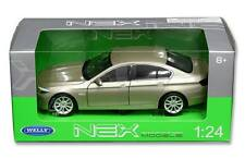 Welly 1/24 Scale BMW 535i Gold Diecast Car Model 24026
