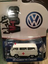 Greenlight  Vee Dub 1975 Volkswagen Type 2  Ambulance