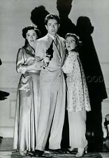 RUTH ROMAN  FARLEY GRANGER  ALFRED HITCHCOCK STRANGERS ON A TRAIN VINTAGE PHOTO