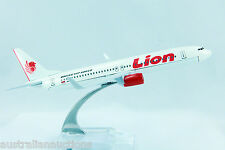 LION AIRLINES INDONESIA AIRLINE  DIECAST PLANE MODEL 737 1:400 16cm+STAND #76