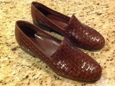Bass Regina Womens US 7 1/2M Woven Leather black cherry Loafer Slip-on Shoe NEW