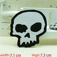 New Skull Embroidered Iron/Sew on Patches/Badge Applique Motif DIY Badges E016