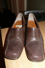 LADIES SHOES ITALIAN VERA GOMMA LEATHER UPPERS SIZE 6m ELASTICATED SLIP ON