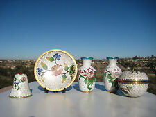 VINTAGE BEAUTIFUL CHINESE BRASS WHITE CLOISONNE MINI VASES BOX PLATE BELL