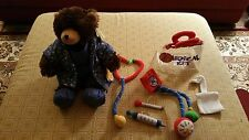 Build A Bear St Louis Zoo Grizzly BNWT W/ Scrubs and Medical Kit! BNWT 12 Pcs!!