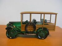 VINTAGE AVON STATION WAGON AUTOMOBILE TAI WINDS 6 OZ AFTER SHAVE DECANTER