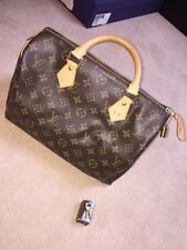 Louis Vuitton Speedy 30 Bag, Comes with little keys, Dust Bag, Box, Ribbon & Tag