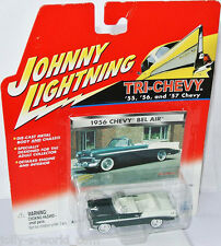 Tri Chevy - 1956 CHEVY BEL AIR conv - darkgreen/white - 1:64 Johnny Lightning
