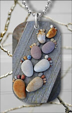 FEET PEBBLES NATURAL RIVER STONES COLORED DOG TAG PENDANT FREE CHAIN -jhl9Z