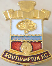 Southampton Vintage badge Maker COFFER Northampton Brooch pin gilt 18mm x 25mm