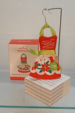 BAKING MOM & DAUGHTER MEMORIES 2016 HALLMARK ORNAMENT~CLOTH~FREE SHIP IN US