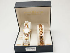 JACLYN SMITH:WOMEN'S PEARL BRACELET AND GOLD FINISH METAL BAND ANALOG WATCH SET.