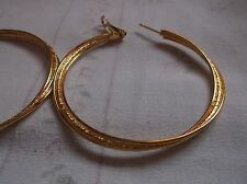 BRAND NEW GOLD PLATED MEDUIM HOOP EARINGS PLAIN AND ..PATTERN  IN MIDDLE..