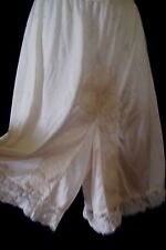 Vintage Cream Lacy Lorraine Pettipants Panties Slip Size ~ Medium Short~Usa