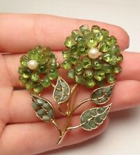 VINTAGE BEAUTIFUL GREEN PERIDOT CHIP FLOWER BROOCH PIN GOLD TONE SWOBODA?