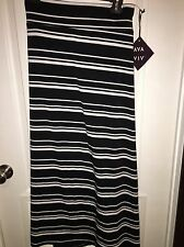 Ava and Viv 4X plus size black and white jersey knit skirt NWT