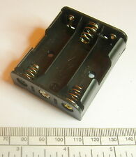 Battery holder for 3 X 'AA' (UM-3) cell - with pins for PCB mounting