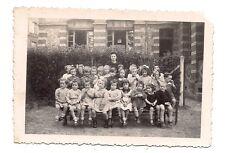 photo lisieux 1945 ,enfants ,école (c8)