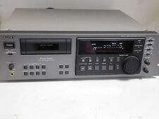 LOOKS UNUSED SONY PCM-R500 DIGITAL AUDIO TAPE DAT PLAYER / RECORDER DECK 4 MOTOR