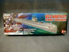 LINDBERT USS NAUTILUS ATOMIC SUBMARINE 70884 1/300 MILITARY - NEW IN SEALED BOX