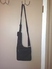 NINE WEST LADIES LEATHER BLACK PURSE HANDBAG.