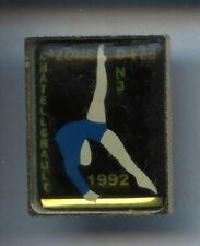 RARE PINS PIN'S .. SPORT GYM GRS GYMNASTIQUE / CHATELLERAULT 86  #2L